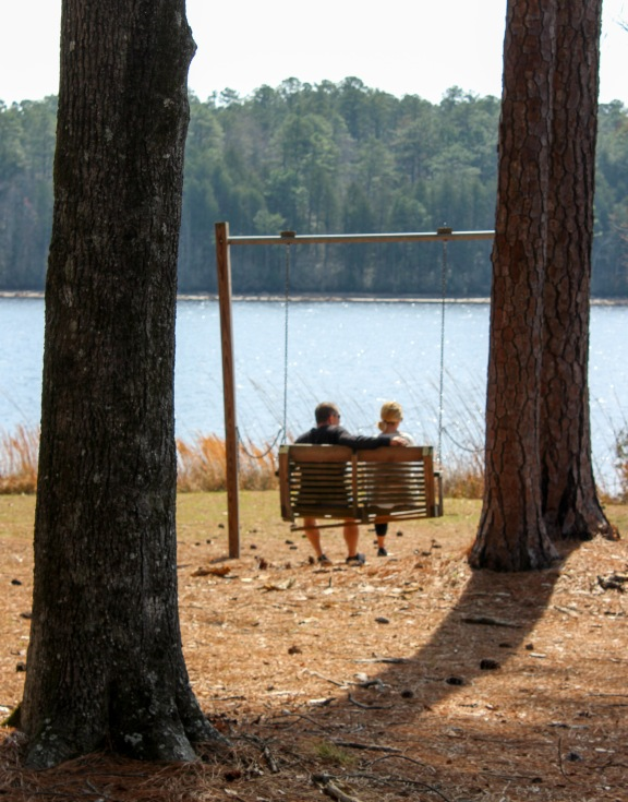 lake - couple in swing 1